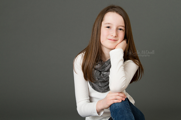 tween-girl-in-studio